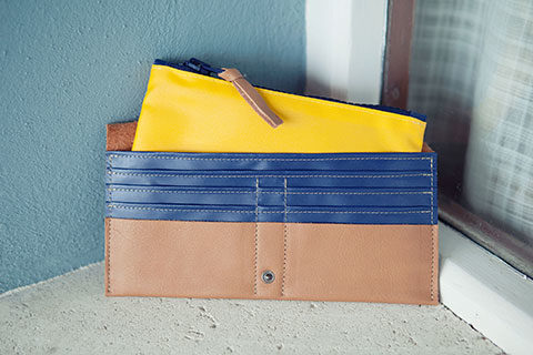 Leather wallet Dora