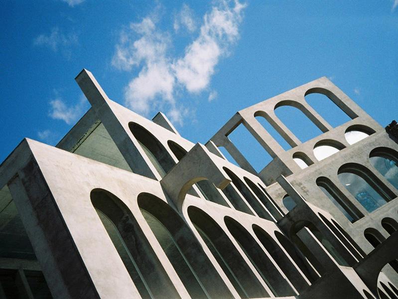 Cemento y cristal: la casa/escultura de Xavier Corberó.