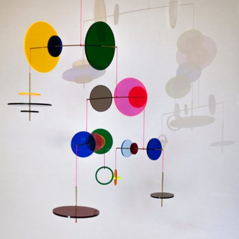Móvil LMV discos multicolor