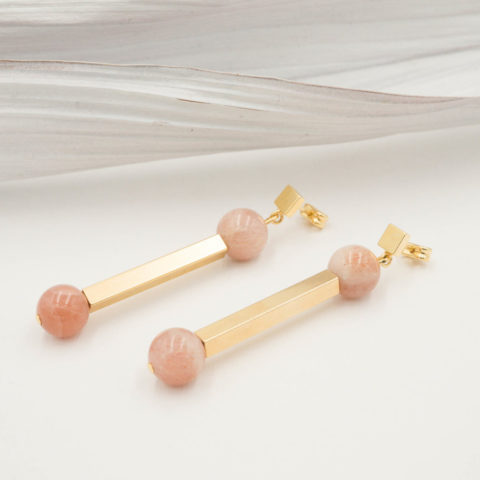 Pink earrings Lever