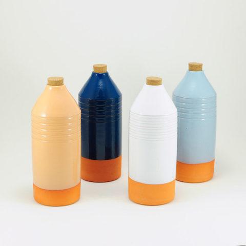 Botella de barro vidriada naranja