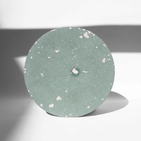 Plato Concrete verde menta mediano