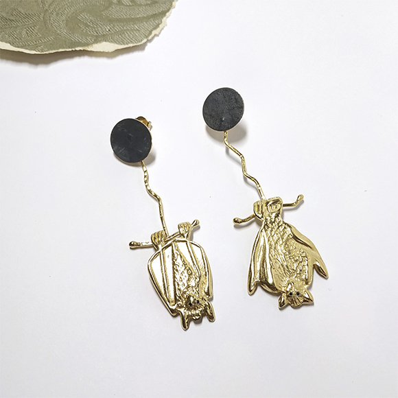 Long gold bat earrings - Eva