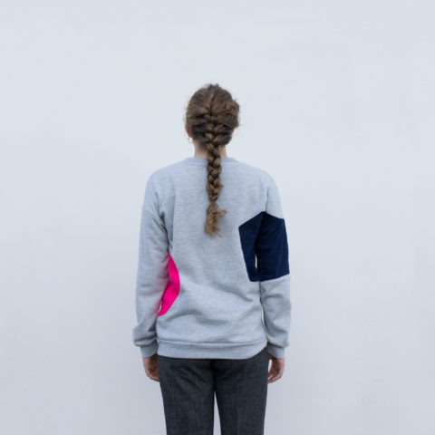 Grey sweatshirt with geometric shapes