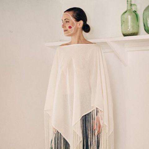 Natural cotton poncho with fringes