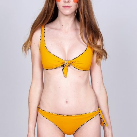 Reversible Brazilian cut bikini bottom orange/mudcracks print